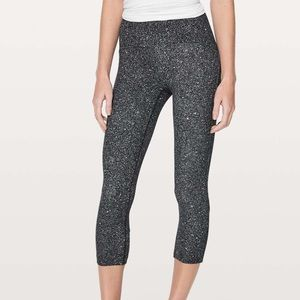 "Lululemon Full Freedom Crop 21"" Sz. 2 Luminesce"